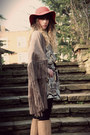 Tan-jad-dress-camel-pieces-boots-tawny-urban-outfitters-hat