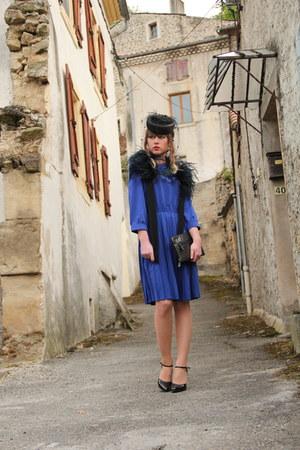 blue Vila dress - gray Only purse - black vintage accessories