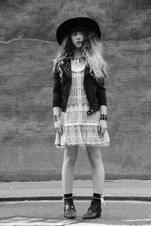 black vintage boots - white Molly Bracken dress - black Monki hat