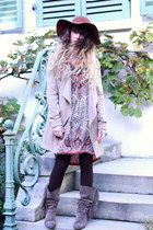 light brown méliné boots - burnt orange Jade dress