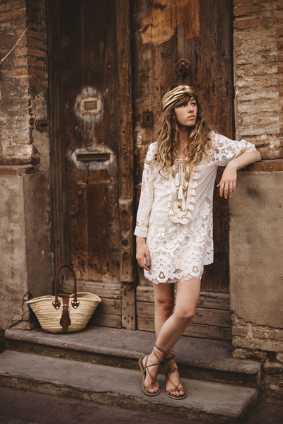 white Laurie and joe dress - eggshell bag - bronze lune et lautre sandals