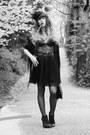 Dark-brown-asos-boots-black-vero-moda-scarf-tawny-vintage-belt