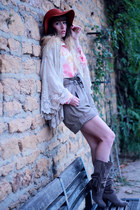 tan méliné boots - tawny Urban Outfitters hat - ivory Nishe shirt