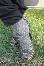 brown unknown tights - black D&G shoes - black Sonia Rykiel for H&M jumper - bla