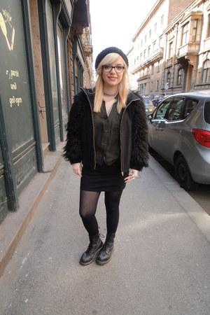 Zara coat - doc martens boots - beret New Yorker hat - Bershka blouse