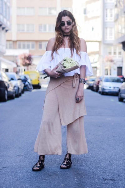 white Zara top - peach Zara pants - black Lince Shoes sandals