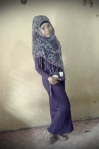 violet scarf - deep purple hoodie long dress - camel wedges