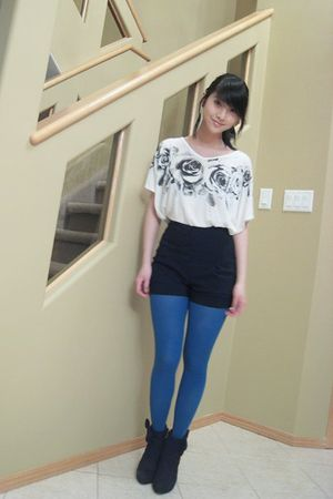 white top - black boots - blue joe fresh style tights - black shorts