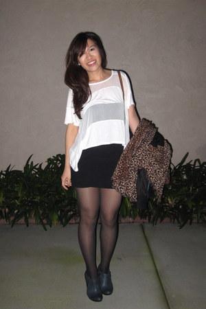 black HUE tights - dark brown leopard print H&M scarf - white Forever 21 top - b