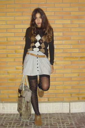 brown Massimo Dutti jumper - white Primark skirt - black Oysho socks - brown boo