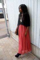 GINA TRICOT skirt - Monki shirt - Din Sko heels