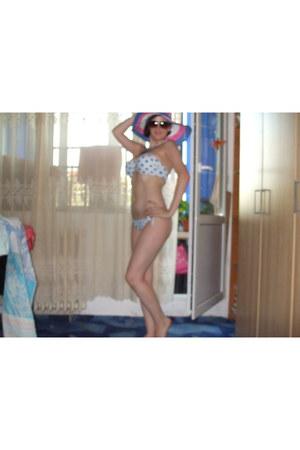 violet stripes House of art hat - sky blue spots House of art swimwear