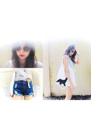 silver STYLESOFIACOM t-shirt - white accessories - blue STYLESOFIACOM shorts - b