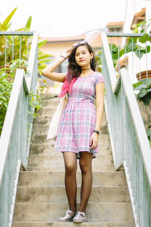 bubble gum plaid new look dress - ivory JuJu sandals