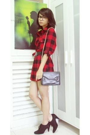 Forever21 shirt - vintage belt - vintage purse - Zara shorts
