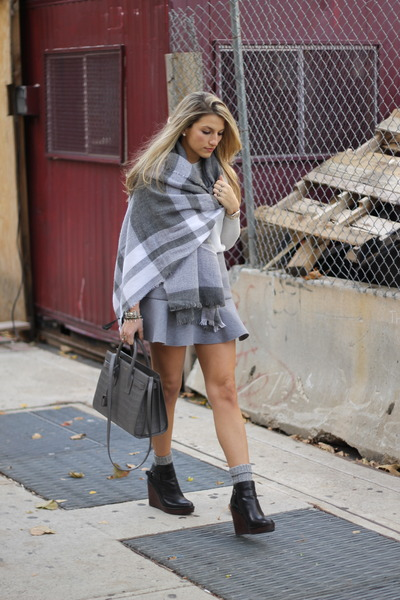 heather gray Zara scarf - Dolce Vita boots