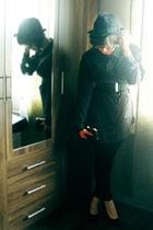 gray GINA TRICOT shirt - black leggings - black Andiamo shoes - black purse - bl