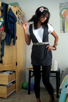 pink h&m via thrift town accessories - white Hanes t-shirt - gray vest - gray th