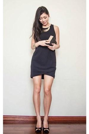 black wrap Sportsgirl dress - black gold cap portmans shoes
