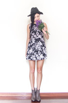black floral Chaceylove dress