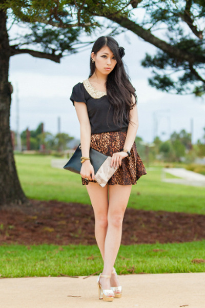 leopard print chicnova skirt - clutch chicnova bag - Yesstyle top