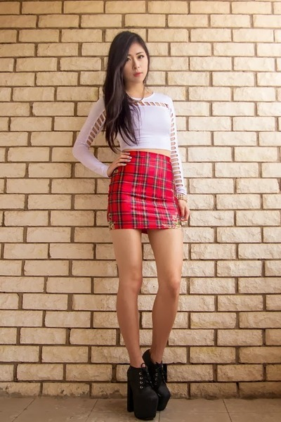 Red Tartan Lovely Sally Skirts, Dark Gray Clayton Jeffrey Campbell ...