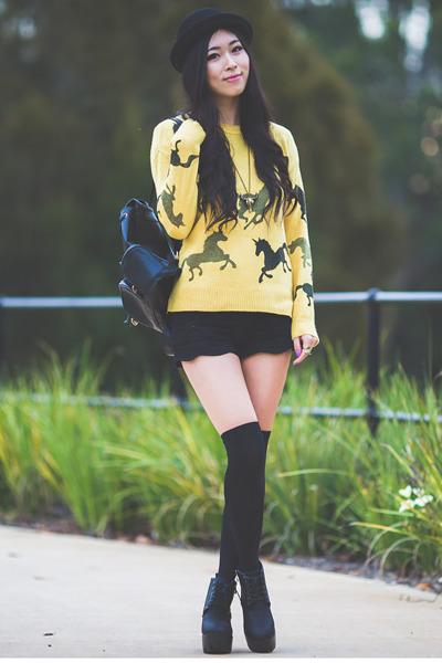 mustard unicorn Black Five sweater - black Yesstyle bag