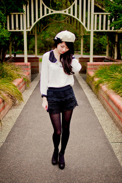 Ivory-bow-beret-forever-new-hat-black-lace-imprint-shorts_400