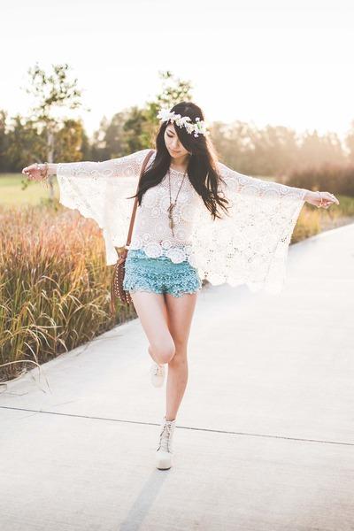 ivory lookbookstore top - aquamarine crochet Chicwish shorts