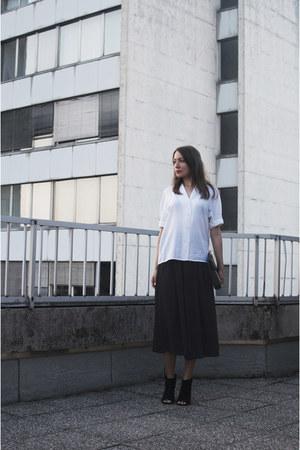 white vintage shirt - black OASAP bag - black vintage pants