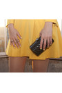 Black-no-name-bag-mustard-vintage-dress-silver-oasap-sunglasses