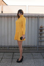 Mustard-vintage-dress-black-no-name-bag-silver-oasap-sunglasses