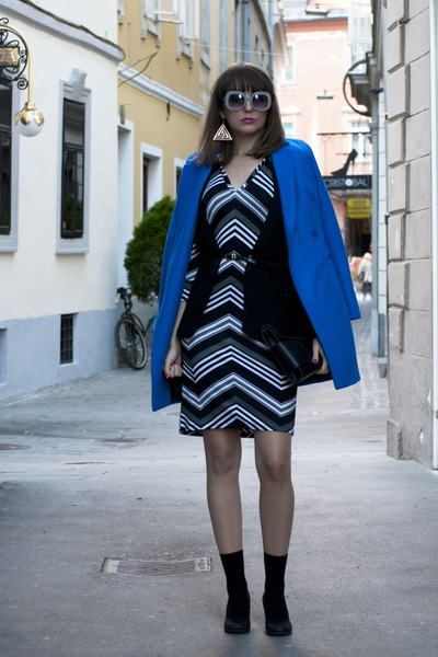 blue asos coat - white no name dress - black OASAP bag - black Zara vest