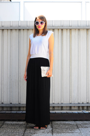 black no name skirt - ivory Studio Harlen bag - white thrifted top