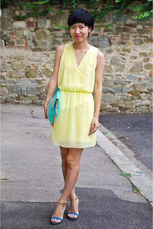 aquamarine bag - light yellow Zara dress