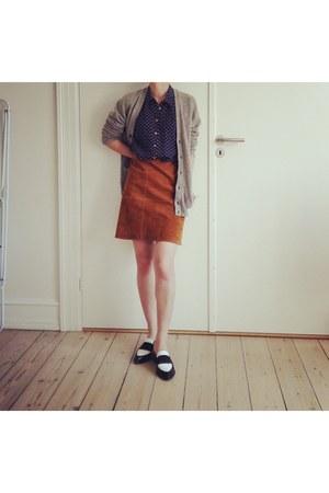 tawny suede Zara skirt - navy silk Zara shirt - white & other stories loafers