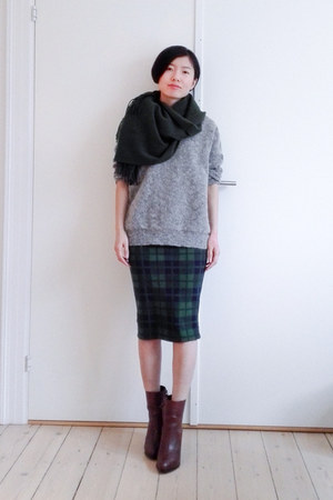 green pull&bear skirt - brown & other stories boots