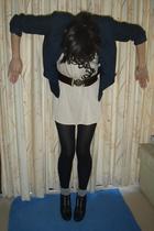 I hate posing..