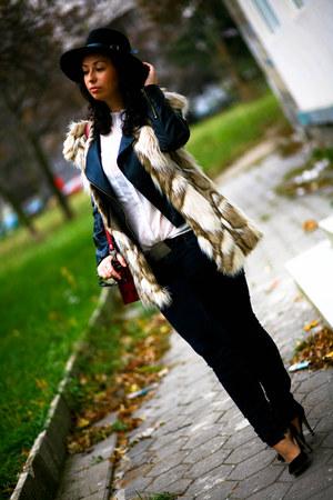 Sheinside vest - PROENZA SCHOULER bag - Manolo Blahnik heels