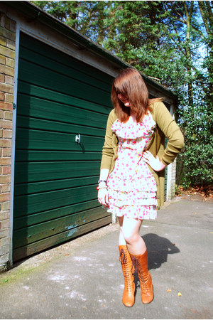 tawny lace-up Clarks boots - white floral Topshop dress - olive green H&M cardig