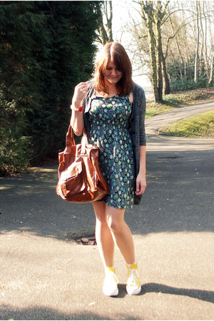floral Primark dress - Primark bag - Converse sneakers - H&M cardigan