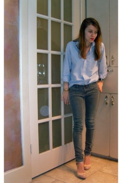 thrifted shirt - Uniqlo jeans - GoJane shoes