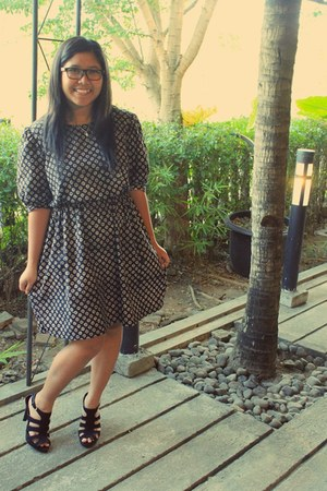 dark gray flower vintage dress - black Payless heels