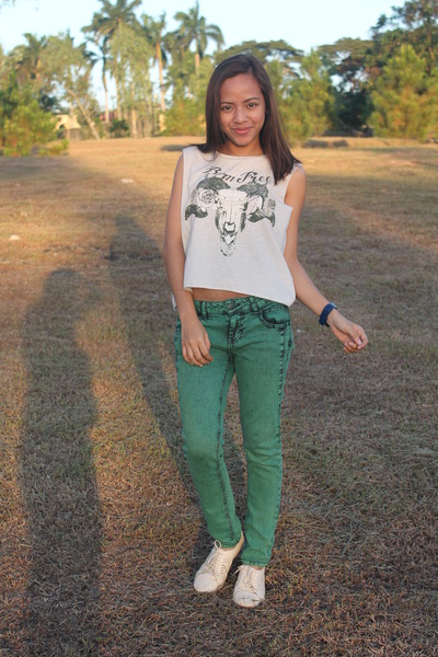 off white cotton on top - eggshell cotton on shoes - teal Forever 21 pants