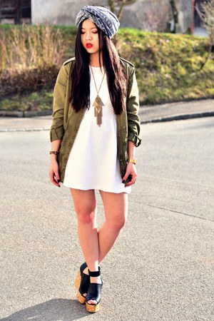 white skater dress H&amp;M dress - olive green parka Zara jacket