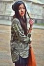 Black-cropped-leopard-h-m-top-gray-knitwear-beanie-h-m-hat