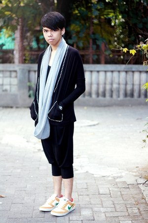 Cotton Ink scarf - monday to sunday cardigan - CMYT pants - nike sneakers