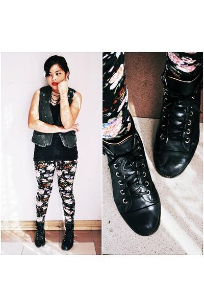 black shoes - pink leggings - green vest - black top