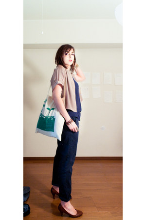 dark brown shoes - teal tote bag bag - navy Forever21 pants