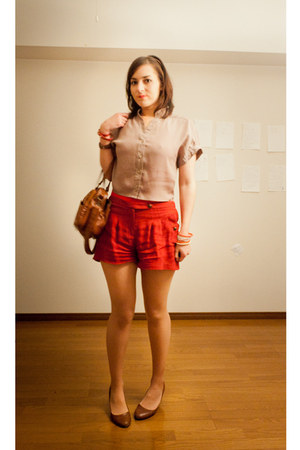 red Forever21 shorts - burnt orange bag - tan Forever21 blouse